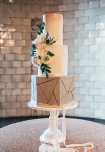 cake2 207x300 - 5 New Wedding Décor Trends for your Big Day